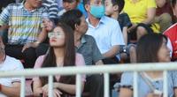 Fan nữ xinh HAGL & HL.Hà Tĩnh khoe sắc trên sân Pleiku