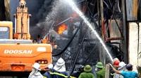 Vụ cháy xưởng ở Long Biên phát tán hóa chất vượt quy chuẩn