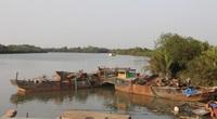 Bình Dương: Bắt ghe hút cát lậu, đại uý công an hy sinh