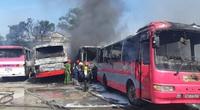 Thanh Hoá: Khống chế được đám cháy tại bãi giữ xe, 6 ô tô bị thiêu rụi
