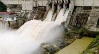 Nước lũ đổ về dồn dập, nhà máy thủy điện ở Lào Cai xả lũ gấp