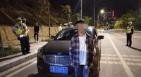 Choáng: Cậu bé 15 tuổi xem TikTok tự học lái xe oto như xiếc