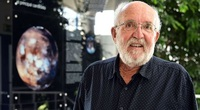 Tiến sĩ Thụy Sĩ cảnh báo vi khuẩn ngoài hành tinh có thể phá hủy thế giới