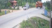 Xe tải mất lái lộn vòng trên đường gây tai nạn thảm khốc