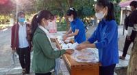 Quảng Trị: Đoàn viên nấu cơm cho sĩ tử xa nhà vì quán cơm đồng loạt đóng cửa