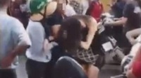 Hà Nội: Cô gái xinh đẹp bị hành hung túi bụi giữa phố, nghi vấn đánh ghen