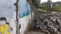 Phú Thọ: Trường Mầm non xã Vụ Quang nứt toác cổng, phải dùng cột chống