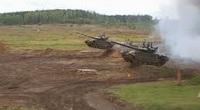 """CLIP: Xe tăng T-72B3M thể hiện kỹ năng """"vừa bay vừa bắn"""""""