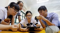 Giáo viên, học sinh nói gì về quy định cho phép sử dụng điện thoại thông minh trong lớp?