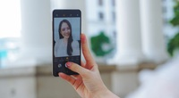 Làm điện thoại camera ẩn dưới màn hình dễ hay khó?