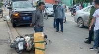 Tạm giữ người đàn ông chở rắn hổ mang chúa nặng 20kg đi bán