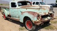 Chiếc bán tải Hudson Super Six 1947 được tìm thấy trong sa mạc, đầy lỗ đạn