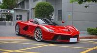 """Siêu xe Ferrari LaFerrari cực hiếm và đáng """"thèm khát"""" của nhà giàu Việt vi vu trên đường phố Đài Loan"""