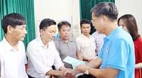 Tặng 100 sổ BHXH tự nguyện cho cán bộ không chuyên trách ở địa phương