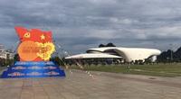 Phố biển Hạ Long rực rỡ cờ hoa mừng ngày hội lớn
