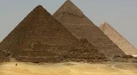 Vì sao Đại kim tự tháp Giza lại bị lệch hẳn sang một bên?