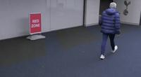 HLV Mourinho sôi tiết, xông vào nhà vệ sinh tìm Eric Dier