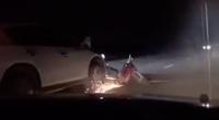 Tài xế say rượu lái ô tô kéo lê xe máy khoảng 2km