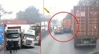 Clip: Khoảnh khắc như trong phim Transformers khi 2 xe container va chạm nhau trên Quốc lộ 5