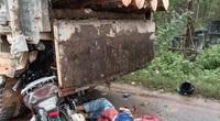 Quảng Trị: Tông vào xe tải, hai mẹ con tử vong