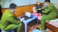 Hải Dương: Công an đến tận nhà làm căn cước công dân gắn chíp phục vụ người cao tuổi