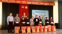 Điện lực Pleiku (PC Gia Lai) trao quà Tết cho hộ nghèo, gia đình chính sách