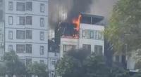 Clip: Cháy lớn tại một quán lẩu ở Thượng Đình, Hà Nội