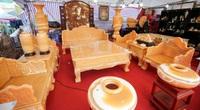 Xôn xao bộ bàn ghế làm bằng ngọc Hoàng Long giá tiền tỷ tại Hà Nội