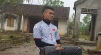 """Cầu thủ """"nghèo"""" nhất U23 Việt Nam cưới vợ: Bán trâu cho con đá bóng"""