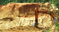 """Hơn 1 năm """"rút ruột"""" tài nguyên không phép, doanh nghiệp bị chính quyền tỉnh Bình Định phạt tiền tỷ"""