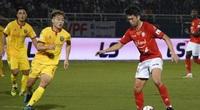 Lee Nguyễn xuất trận, CLB TP.HCM đá bại Hà Tĩnh mất người
