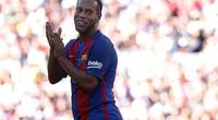 """Clip: Ronaldinho """"hành hạ"""" các huyền thoại M.U"""