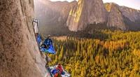 Ngủ lơ lửng trên một vách núi dựng đứng, bạn có dám thử?