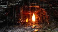Điều gì xảy ra với ngọn lửa liên tục cháy trong thác nước?