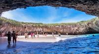 Độc đáo với thiên đường bãi biển ẩn giấu trong hang động ở Mexico