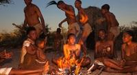 Kỳ diệu với vũ điệu kết nối âm dương chữa bệnh của bộ lạc San ở châu Phi