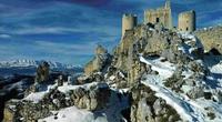 """Italia tái sinh các thị trấn, làng """"ma"""" thành điểm đến du lịch độc lạ"""