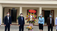 Thủ tướng gửi lẵng hoa biểu dương lực lượng y tế chống dịch Covid-19 ở Hải Dương