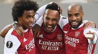 "Arsenal chật vật đả bại Benfica, HLV Arteta nức nở khen ""sao xịt"""