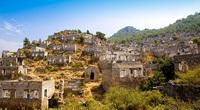 khách du lịch bị cuốn hút bởi các thị trấn bị bỏ hoang, mang sự huyền bí
