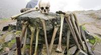 Bí ẩn khó hiểu về hồ xương người chứa hàng trăm hài cốt ở độ cao hơn 5.000m