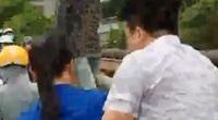 Tài xế taxi lao xuống sông cứu cô gái trẻ nhảy cầu tự tử