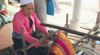 Kể chuyện làng: Nỗi lòng người dệt cạp váy xứ Mường