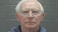 Phẫn nộ với kẻ ấu dâm đã lạm dụng bé gái 6 tuổi chỉ lãnh án 20 ngày tù giam