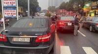 Vụ 2 xe Mercedes Benz trùng biển số lưu thông trên đường Hà Nội sẽ bị xử lý thế nào?