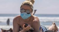 Đại gia mua tour du lịch nước ngoài để tiêm vắc xin nhưng bị chỉ trích