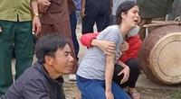 Anh 7 tuổi tìm cách cứu em 4 tuổi rơi xuống hố chôn cột điện ngập nước, 2 đứa trẻ cùng tử vong thương tâm