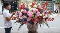 Bông hồng đại gia mua làm quà tặng 8/3 có gì độc mà giá lên tới 330 triệu đồng?