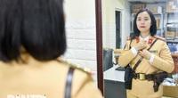 """Một ngày của """"bông hồng thép"""" Cảnh sát giao thông Hà Nội"""