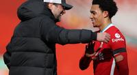 Liverpool xóa dớp phút bù giờ, Klopp ca ngợi siêu hậu vệ